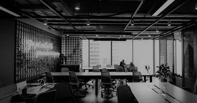 Establecimiento de medidas procesales y organizativas en los acuerdos de Refinanciación y Concursos de Acreedores.